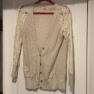 Beige Lace sleeved sweater